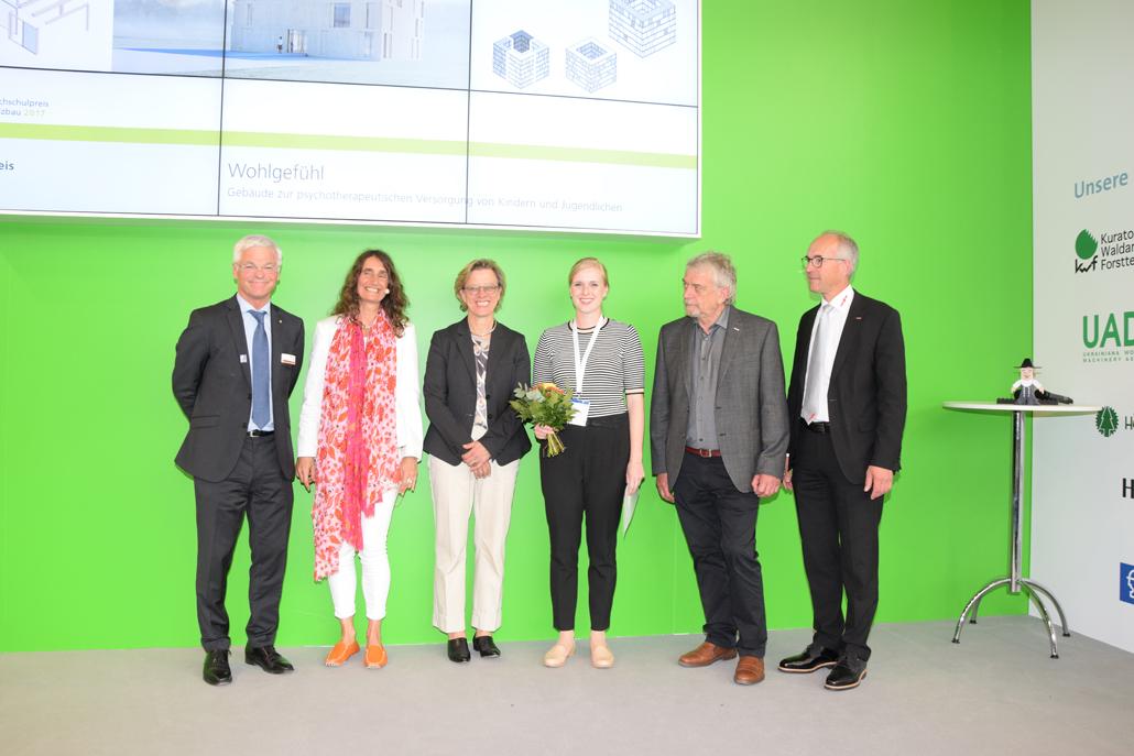 """Verleihung des Hochschulpreises """"Green Campus"""", Foto: Küttner/Holzbau Deutschland"""