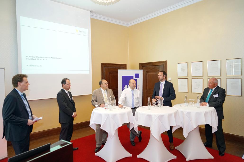 Aktueller Konjunkturbericht der AWI-Hessen, Foto: AWI-Hessen