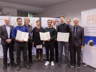Architektur-Studenten der SRH Hochschule Heidelberg erhalten Auszeichnung des Bunds Deutscher Baumeister für ihre Entwürfe zur Erweiterung der Humboldt-Werkrealschule Mannheim. (c) SRH Hochschule Heidelberg
