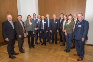 Veranstalter und Referenten bei der Jahresauftaktveranstaltung der hessisch-thüringer Bauwirtschaft ©Tanja Engel