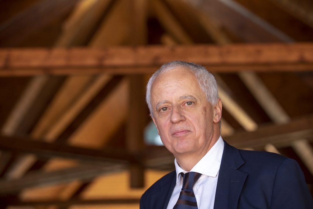 Gerhard Schickhofer, Leiter des Instituts für Holzbau und Holztechnologie der TU Graz und Mitbegründer der holz.bau.forschungs.gmbh; © Lunghammer – TU Graz