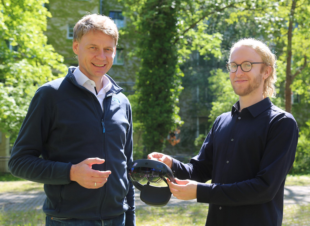 Prof. Alexander Stahr, Leiter der Forschungsgruppe FLEX (links), und Felix Schmidt-Kleespies, Verantwortlicher für das neue Forschungsprojekt OptiPaRef.